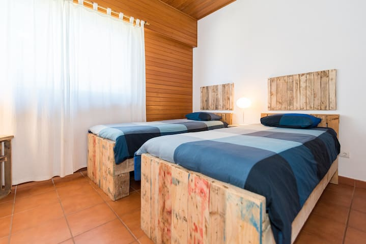 Ticket2Surf | Guesthouse | Teahupoo Twin Room