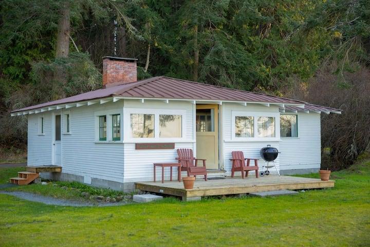 Funnyman's House on pristine private beach