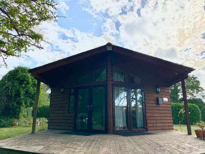 Whole 4 bedroom private Chalet with gardens