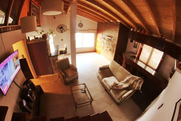 Departamento Loft completo, cómodo y luminoso.