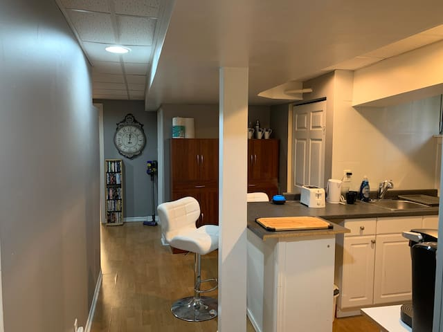 Modern 1BR Bsmt Apt near 401 & Invista - Own Space