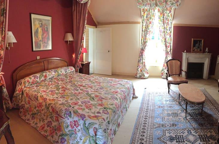 """Château de Montgoger """"Chambre Perroquets"""" - Saint-Épain - Gæstehus"""