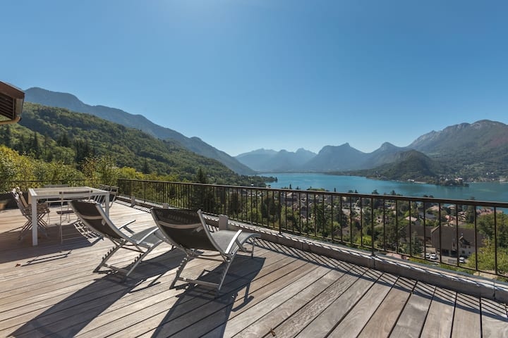 La Ruche: Duplex apartment with view on the lake.