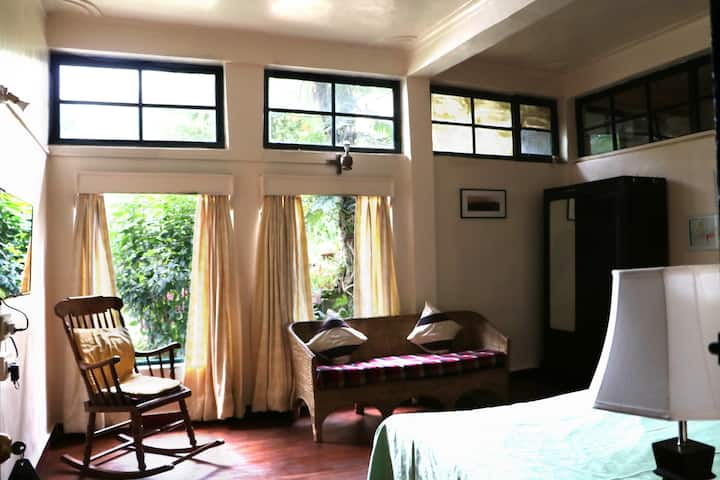 Shillong, Garden view room in La Chaumiere