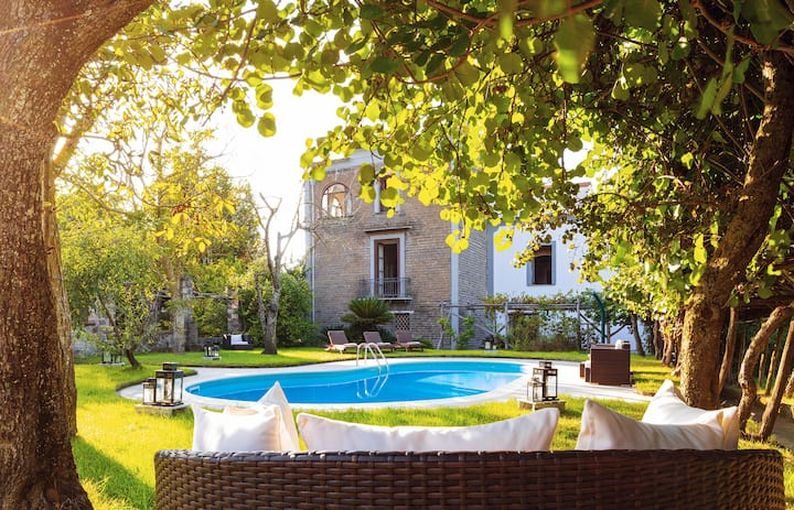 La Dimora 3: Class, Comfort, Garden and Pool