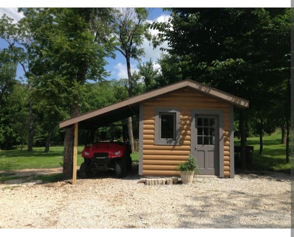 10x 8 tiny house-room, cute and neat!