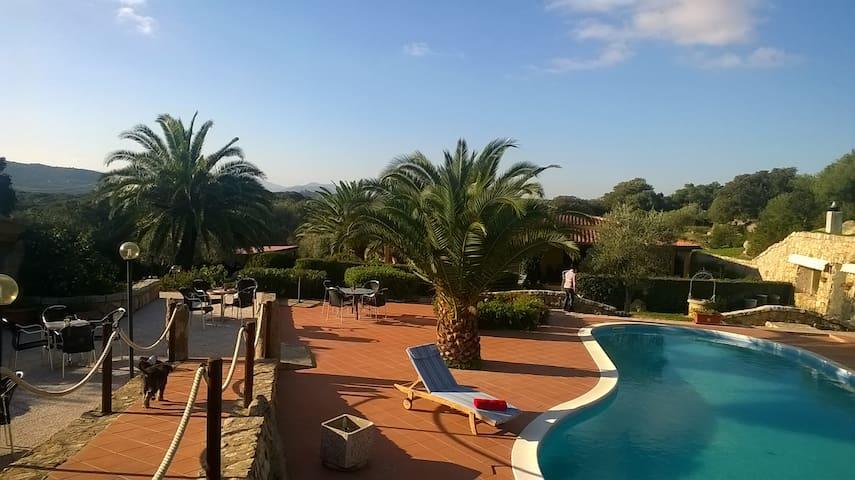 Villa Smeralda Vacanze 4 - Telti - Apartamento
