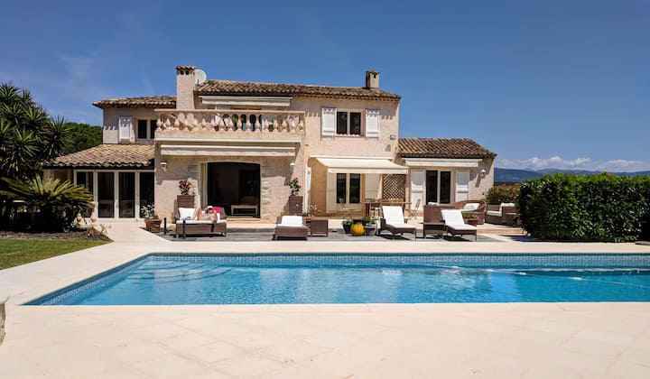 Fab 5 bed villa on a private domain. New for 2019!