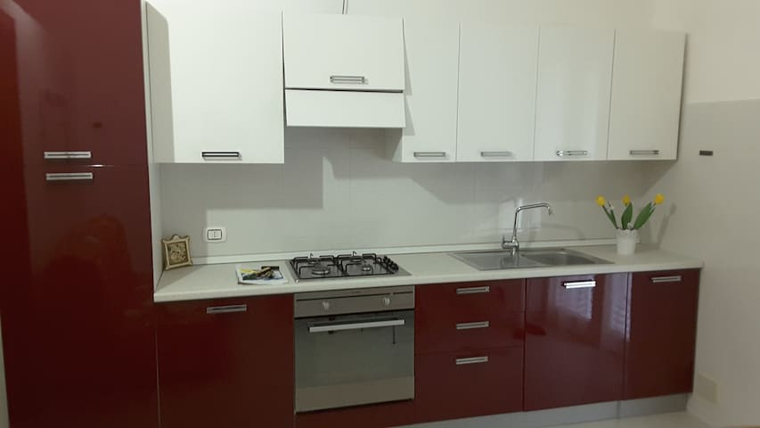 BILOCALE DI FRONTE ALLE TERME, CENTRALISSIMO - Margherita di Savoia - Wohnung