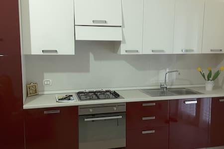 BILOCALE DI FRONTE ALLE TERME, CENTRALISSIMO - Margherita di Savoia - Appartamento