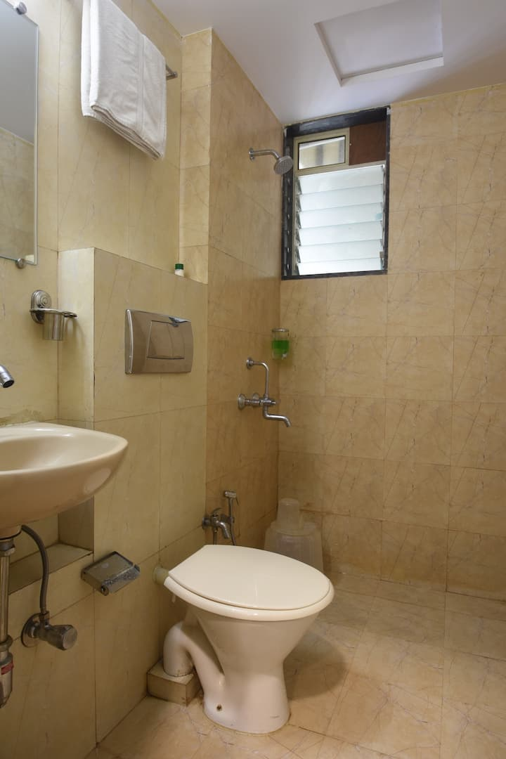 Private Room in  Kopar Khairane , Mumbai - KOPIH1