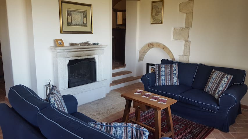 Gorgeous Villa, Stunning Views, Central Umbria - San Terenziano - Willa