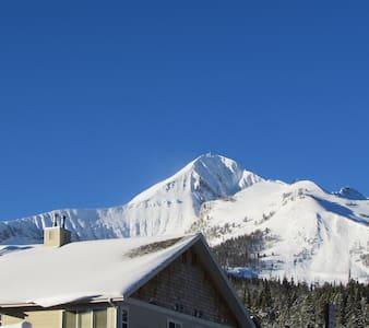 Affordable 2Bed/2Bath Condo-Walk to Big Sky Skiing - Big Sky  - Osakehuoneisto