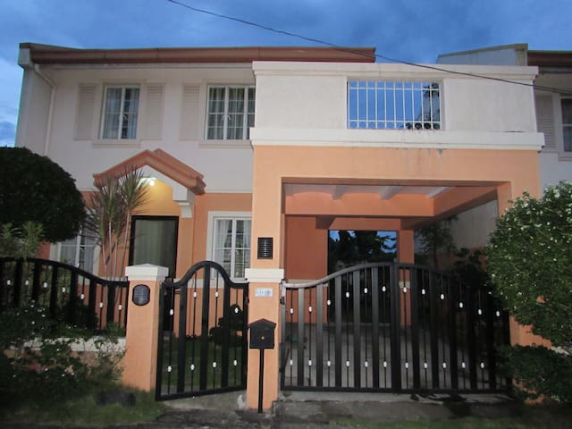 Spacious  3BRHome in Vista City Alabang Bacoor