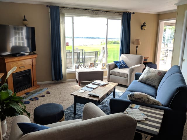 Living Room with Lake View - includes pull out couch