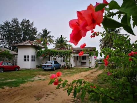 ALA Beach Lodge - Markisa Homestay