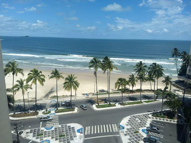 Apto Frente para o Mar Pitangueiras Guarujá