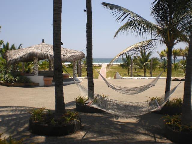 Medetirranean Beachfront house - Punta Blanca - House