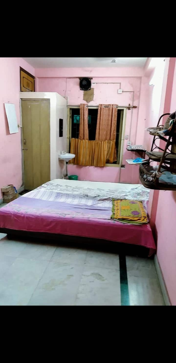 Kol NearMetro Private bedroom with attached toilet