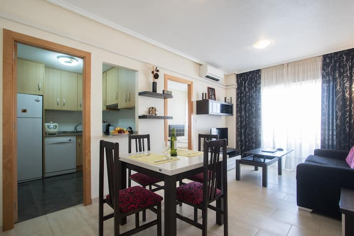 2 bedroom/ 2 bathroom Plaza del Calvario Apt