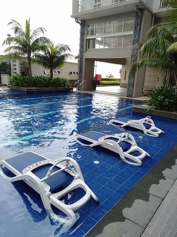 RESORT STYLE CONDO IN THE HEART OF THE CITY!!!