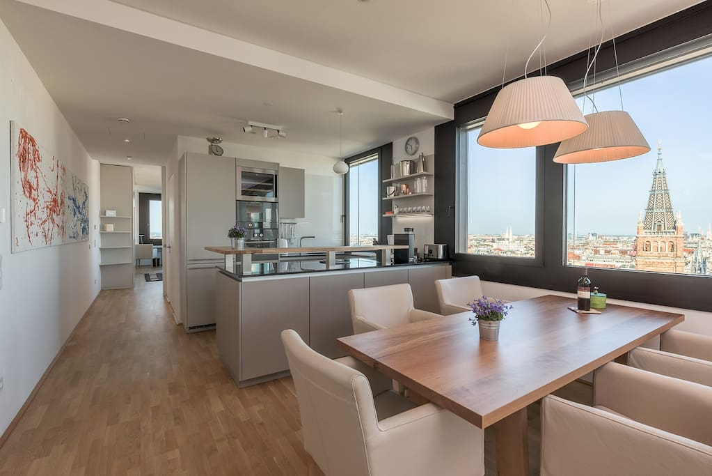 Vienna City View Living room with kitchen