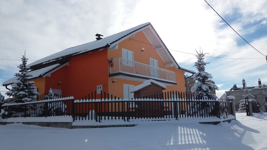 "Kupres Holiday Home ""Snow Queen"""
