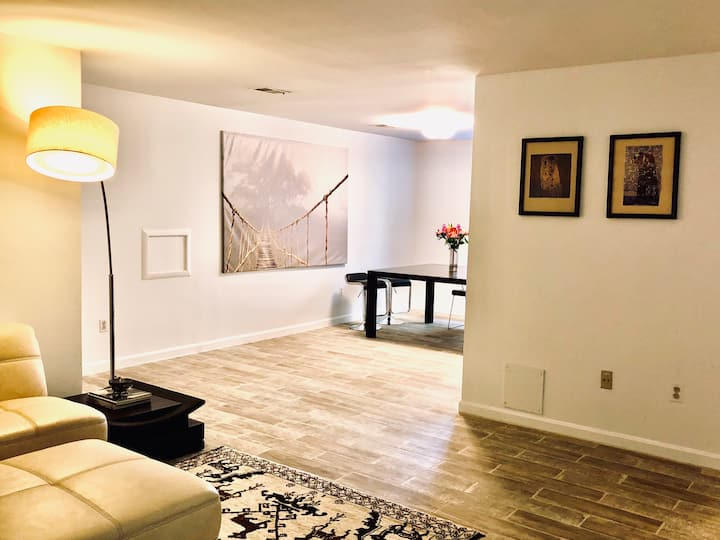 Super clean,  1 BR basement with private entrance