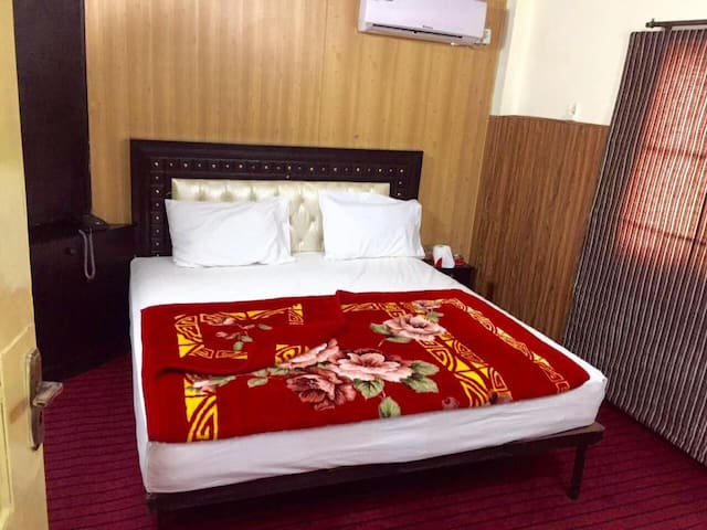 Hotel Star One - Lahore