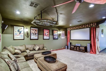 5bed Executive Golf Theater Retreat