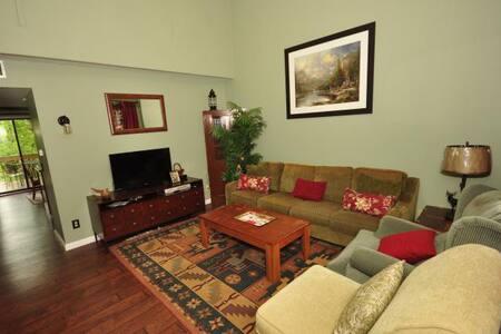 Fairway Villa #1102 - Rumbling Bald Resort - Lake Lure