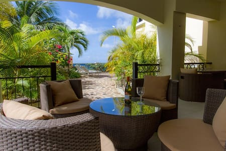 Beautiful oceanfront apartment on Bonaire