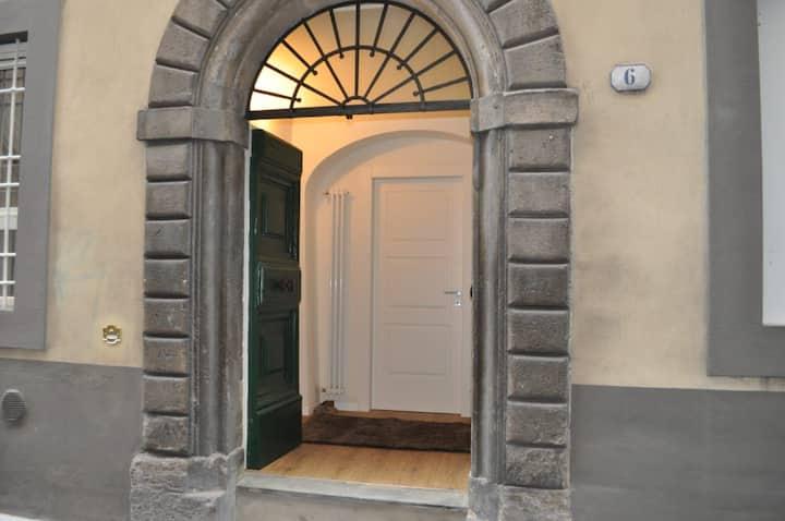 Casa piano terra in pieno centro storico Lucca