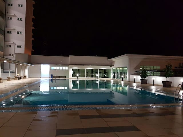 Great location. Comfy for 2B +3M. - Johor Bahru - Apto. en complejo residencial