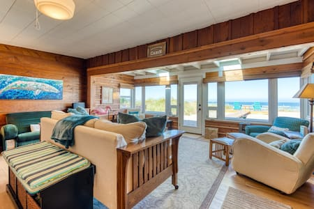 Dog-friendly, oceanfront house full of character & amazing views!