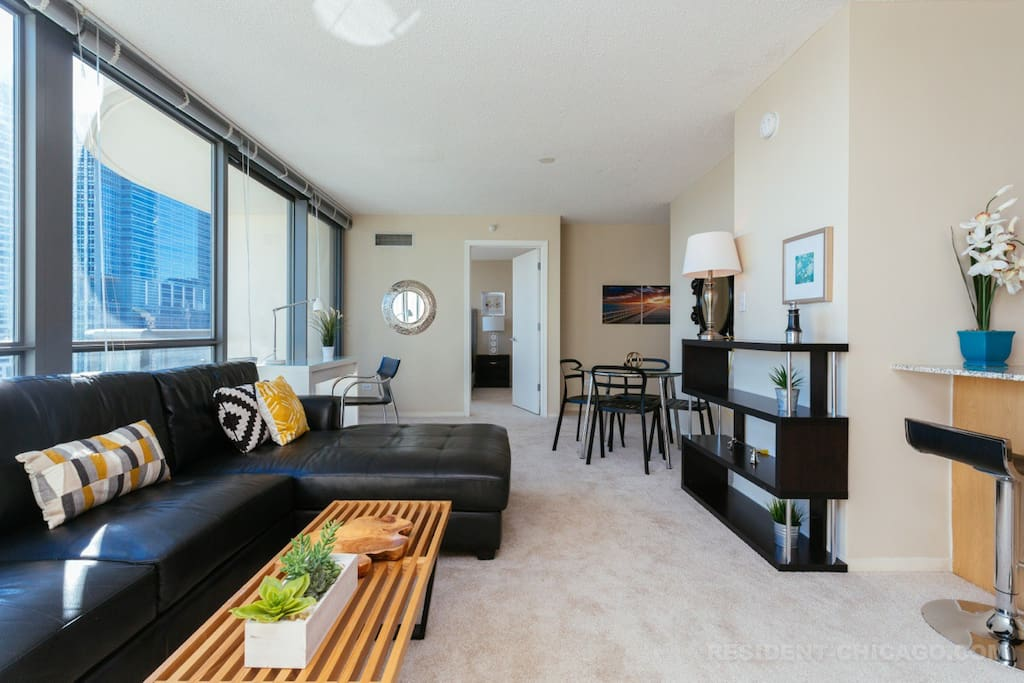 Penthouse Style 2 Bedrooms 2 Bath Fantastic View Apartments For Rent In Chicago Illinois