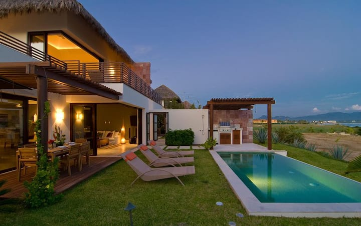 Villa Turquesa in Porta Fortuna by Personal Villas - Beautiful Pool and Beach