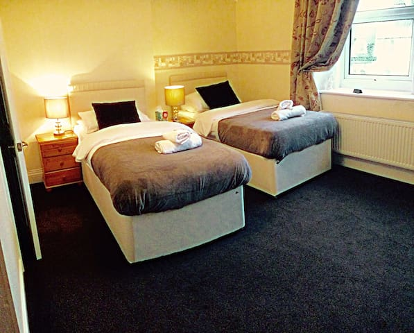 Beautiful self contained suite centre of Llandudno - Llandudno - Bed & Breakfast