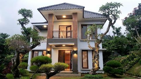 Villa Allethea Bogor