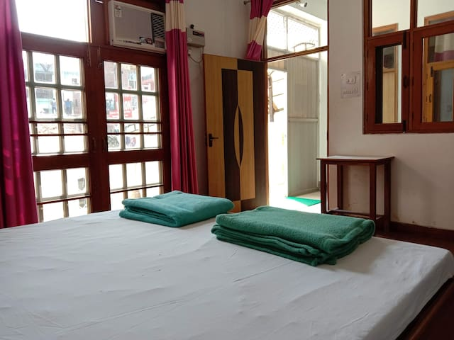 OSHO Vision Haridwar - Private AC Room + Balcony