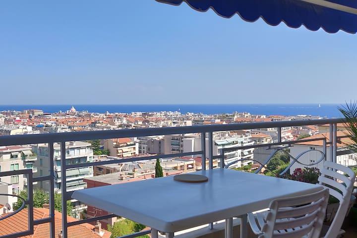 Chambre avec vue panoramique Nice, mer et montagne