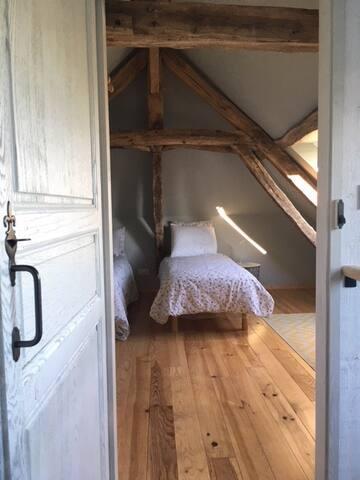 Bedroom 2 (twin / double / family) en suite