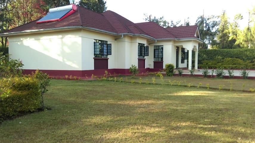 Cozy 3bd guest house - Nairobi - Casa
