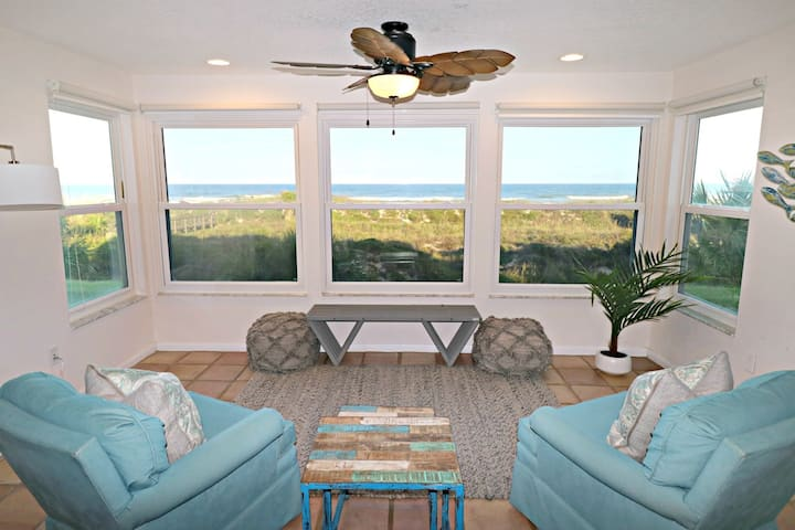 Spacious 3/2.5 Direct Oceanfront Townhome!  Quail Hollow B1-2TH