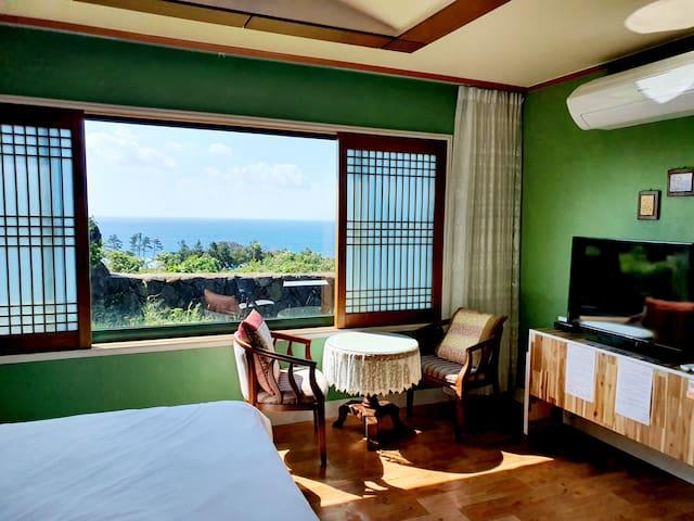 제주 서귀포 바다를 품은 하이랜드펜션(101호, 2인실) 중문승마공원 A코스 2인 무료제공