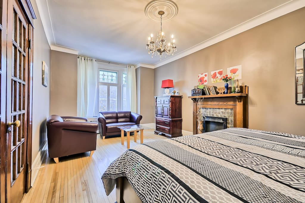 Master bedroom sitting area.