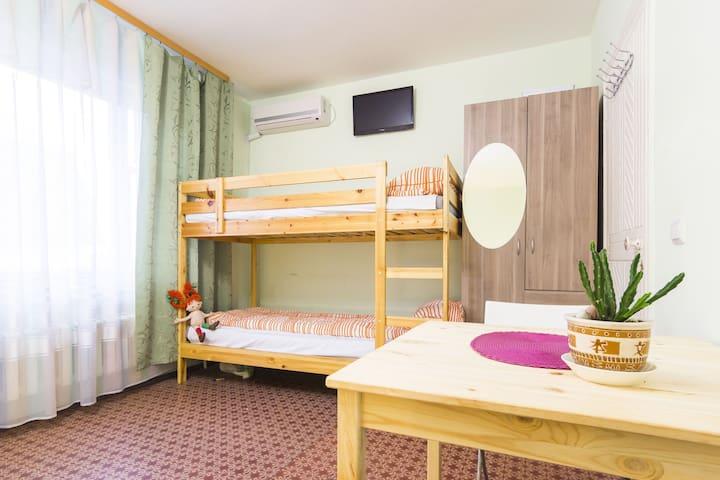Семейный номер с общей ванной - Verkhne-Imeretinskaya Bukhta - เกสต์เฮาส์