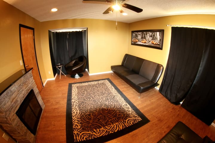 This spacious room can comfortably accomodate up to five guests.