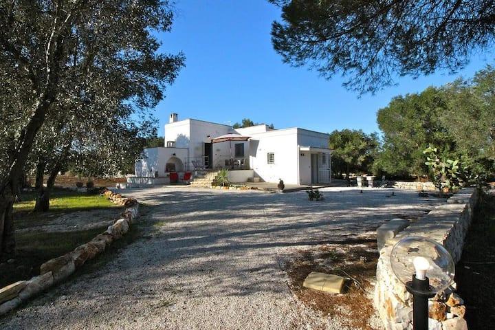 Casa Santolina nelle campagne di Carovigno