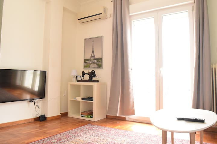 Less is more at the 6th floor 45m2/Lycabettus view